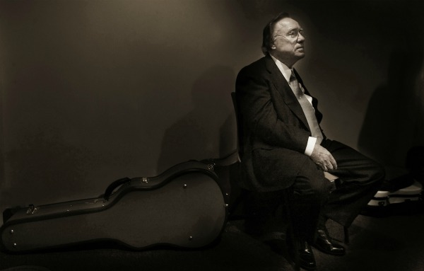 http://blogs.tennessean.com/tunein/2012/03/28/earl-scruggs-country-music-hall-of-famer-dies-at-age-88/